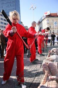 Anti-fur protest Zagreb 2009 m [ 156.49 Kb ]