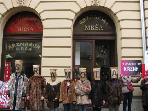 Anti-fur demo Zagreb 2012 s [ 94.19 Kb ]